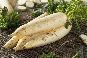 Sink Your Teeth Into These Facts About Daikon Radish